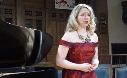 thumbnail from the video of Sarah singing signore, ascolta